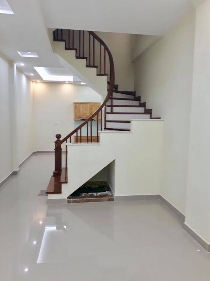 Bán nhà Hoàng Hoa Thám, Ba Đình, DT 55m2x5T mới, cách đường 2 ô tô 10m, giá 5,8 tỷ