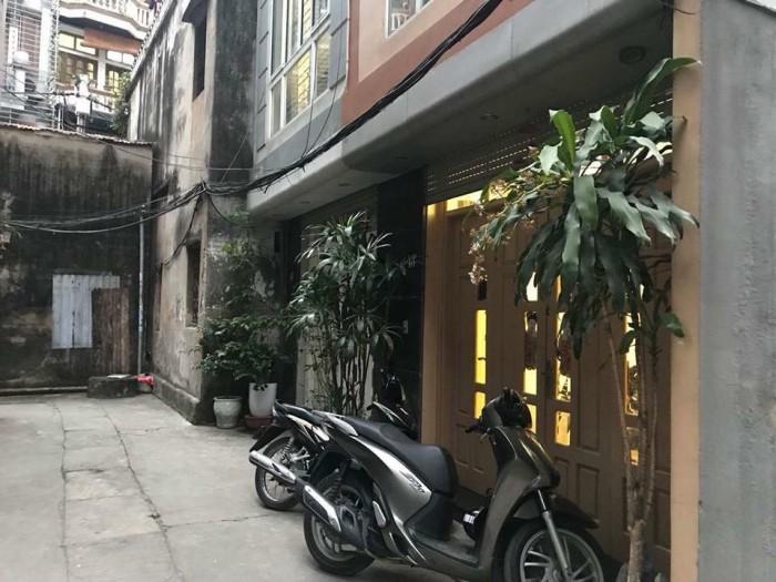 Bán nhà hiếm đẹp lô góc Láng Hạ 40m2x5, MT 5m.