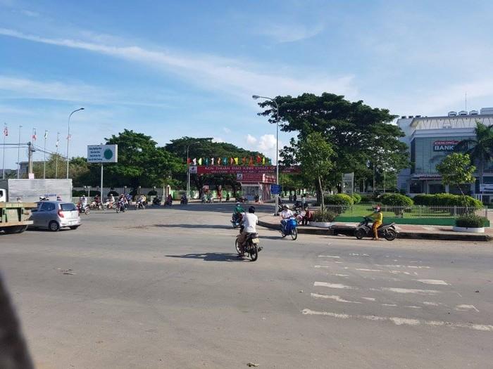 Bán Đất Liền Kề Khu Phố Chợ Thuận Đạo - Đối Diện KCN - Giá Chỉ 650tr / 140m2 !!!