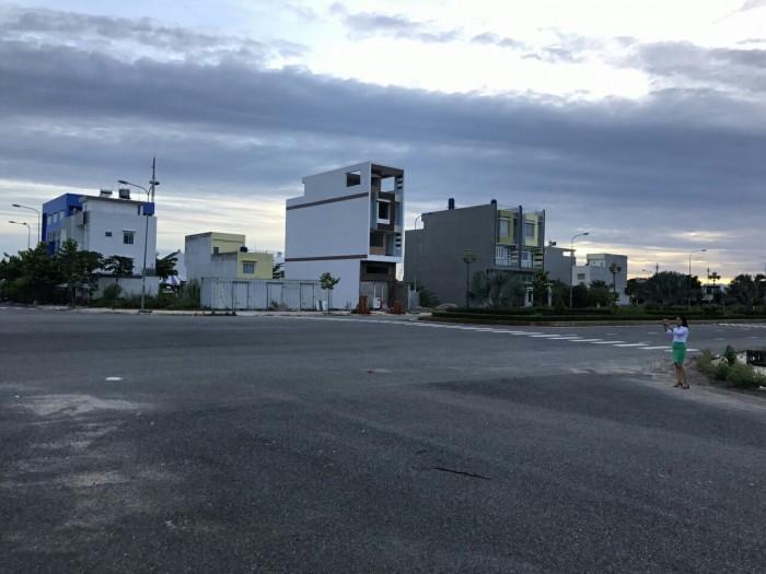 Đất nền mặt tiền quốc lộ 1A, SHR, thổ cư 100%