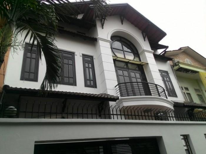 Bán gấp nhà HXH Phan Xích Long, gần bệnh viên Hòan Mỹ, 96m2, 9,2 tỷ, sổ hồng.