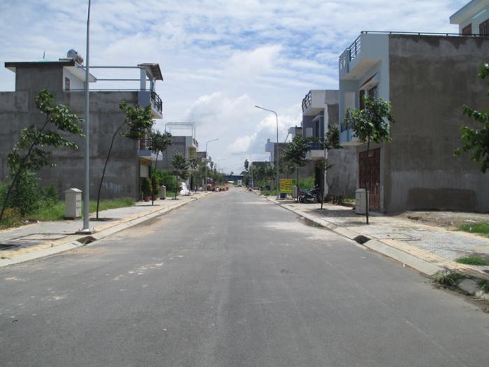 Dự án đất nền Q2 đối diện UBND Q2, đường số 5 mt 25m, thổ cư