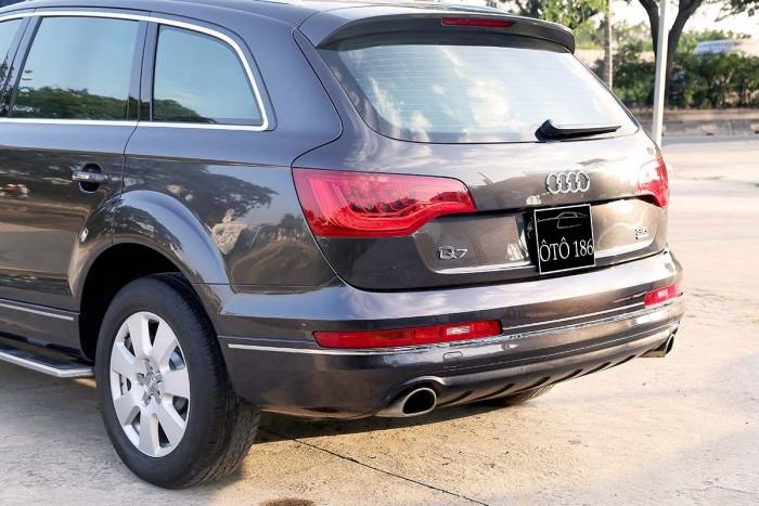 Audi Q7 3.6L Quattro Premium 8