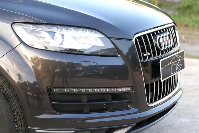 Audi Q7 3.6L Quattro Premium 12
