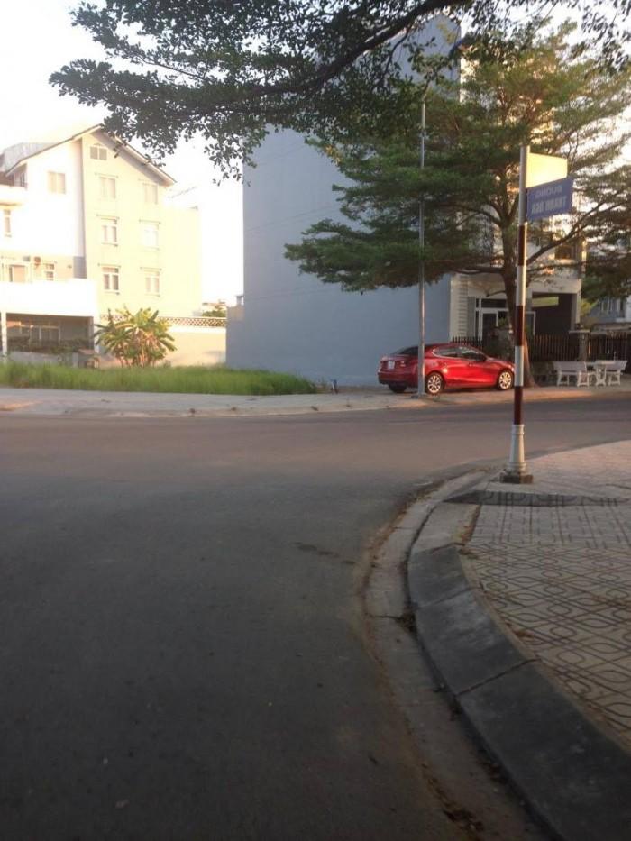Cần bán lô đất mặt tiền đường Võ Chí Công, Cát Lái, quận 2