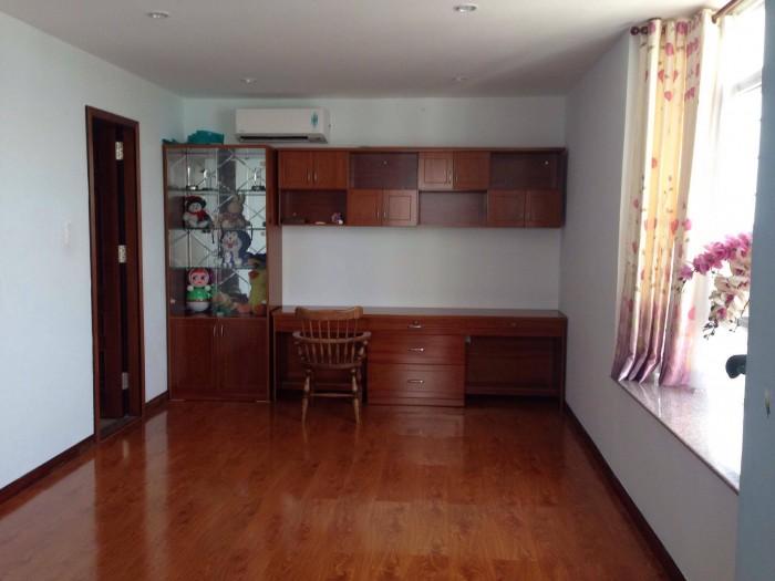 Cần cho thuê gấp căn hộ Giai Việt, DT 105m2, 3 phòng ng