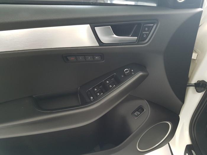 Bán Audi Q5 3.2AT Sline model 2010, màu trắng, chính chủ từ đầu