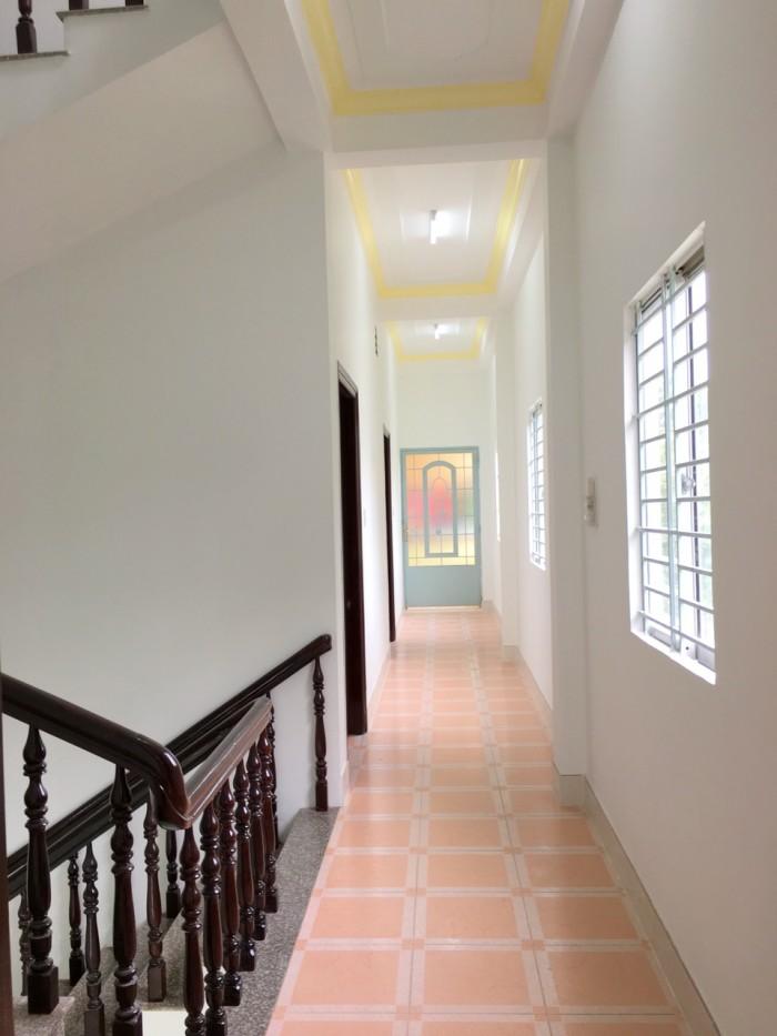 Bán biệt thự rất đẹp đường số 5 KDC Long Thịnh