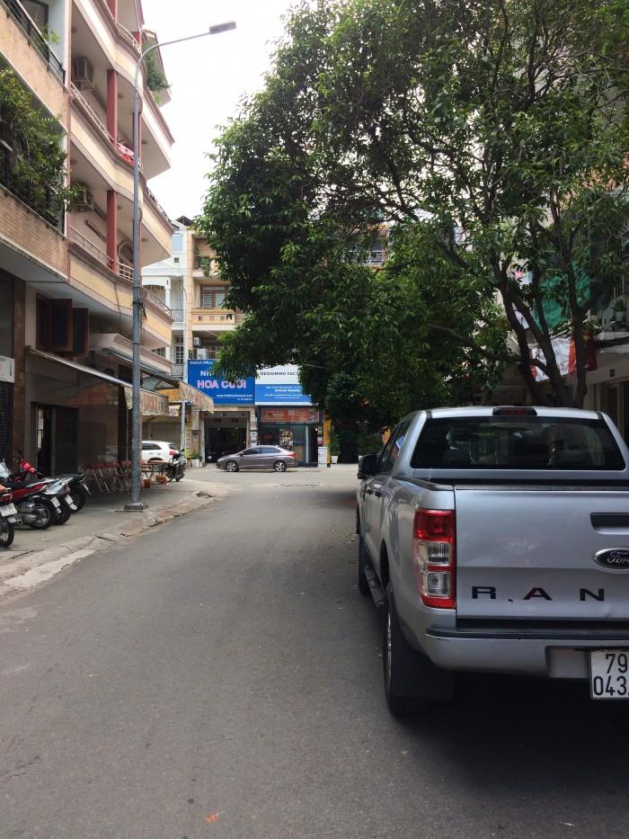 Bán nhà MTNB đường Hoa. 5.2x17. 3 Lầu.