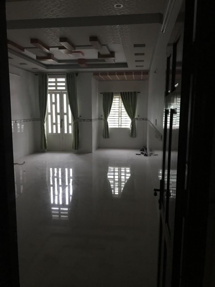 Bán nhà mặt tiền trục chính KDC Long Thịnh . Nhà mới xây . 2 lầu .