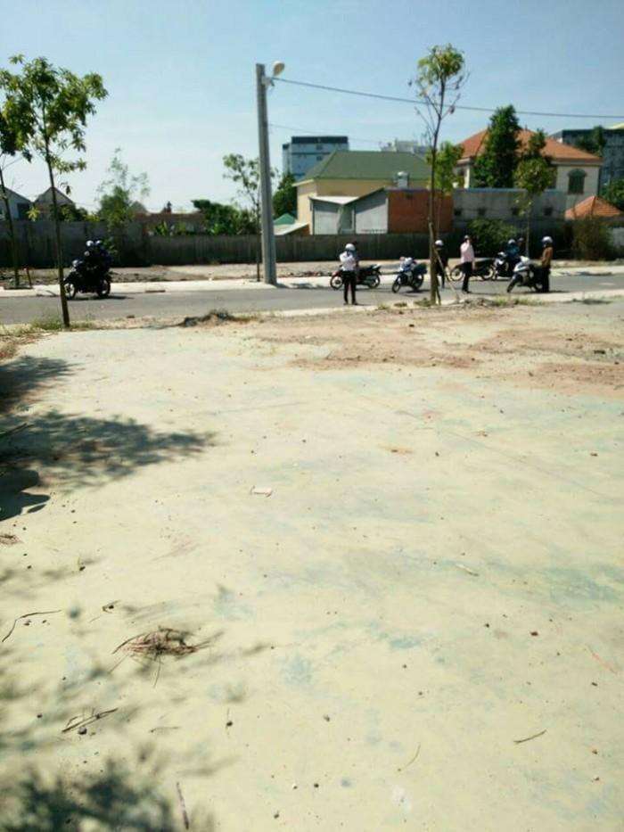 Bán đất giáp khu vực Linh Xuân, Thủ Đức, đã có sổ riêng từng nền.giá hấp dẫn