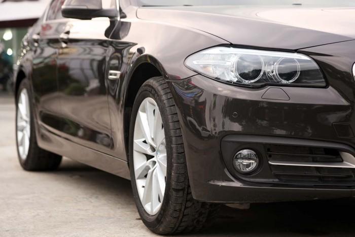 BMW 520i LCI model 2016 24