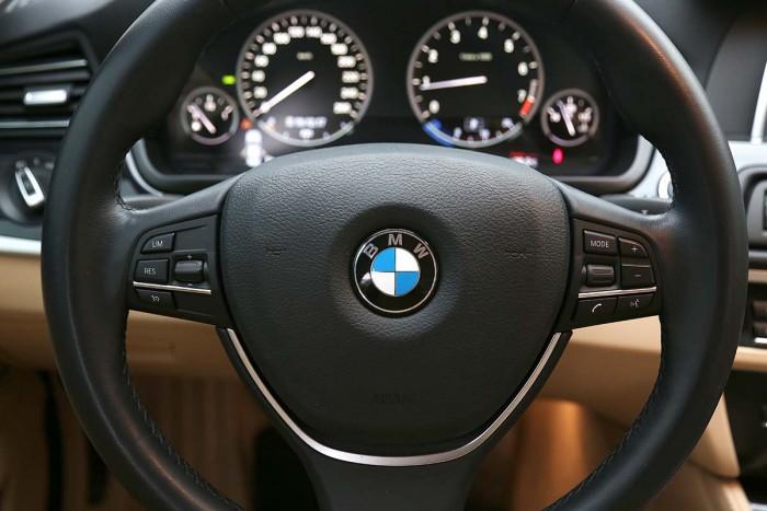 BMW 520i LCI model 2016 3
