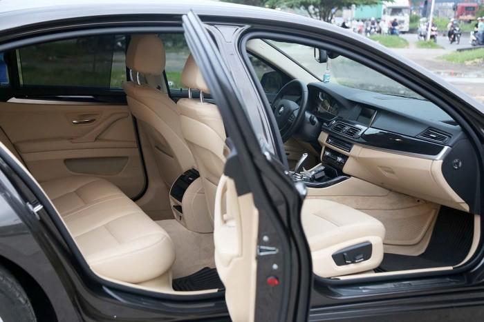 BMW 520i LCI model 2016 26