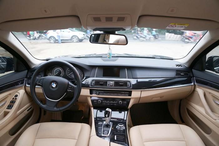 BMW 520i LCI model 2016 13