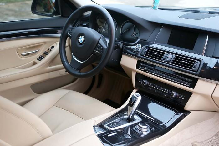 BMW 520i LCI model 2016 18