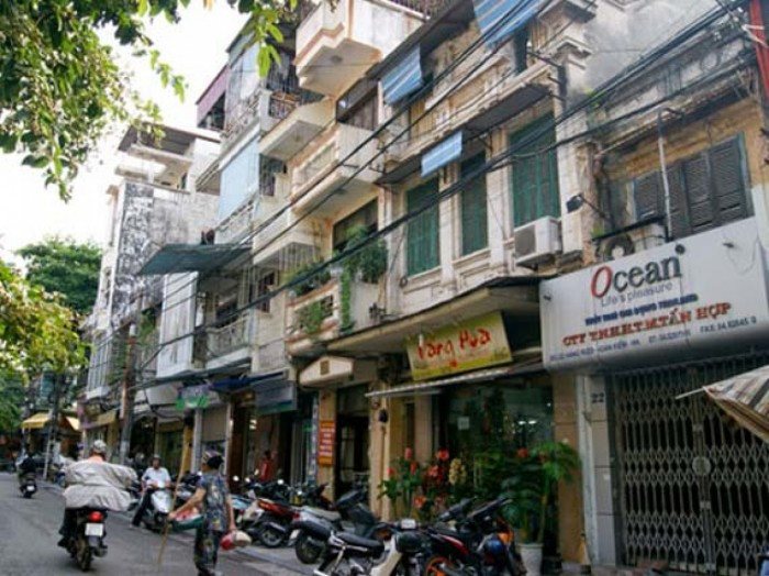 Bán gấp nhà mặt phố khu Nguyễn Tuân, dt 110m2 , mặt tiền 6.5m, 4 tầng cũ