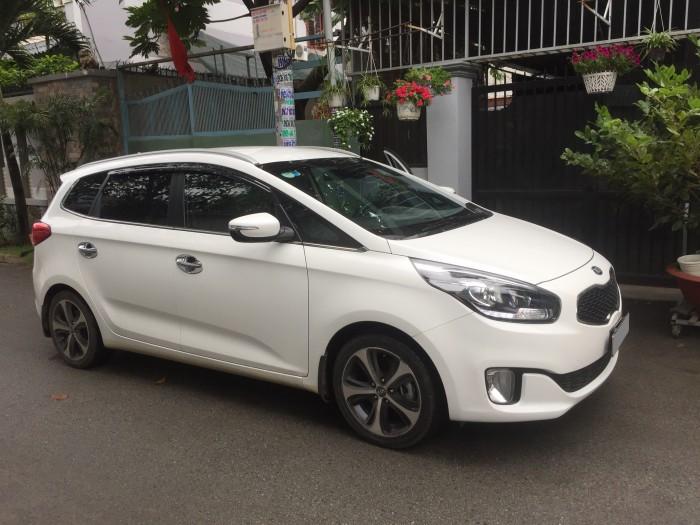Kẹt tiền bán gấp Kia Rondo 2017 tự động màu trắng fulloption đẹp. Xe đẹp ít đi, đồng hồ 13 000 km 6