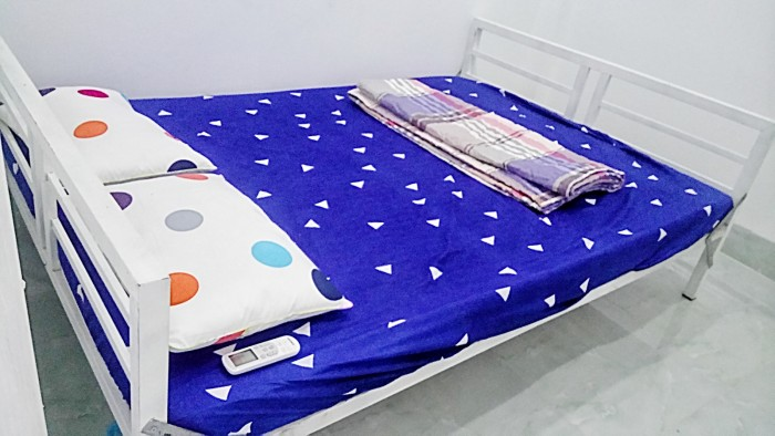 Phòng riêng, giường 2 người có máy lạnh, toilet riêng 150k/đêm