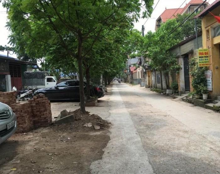 Đất Cửu Việt, Trâu Quỳ DT: 64m2 MT: 4,8m giá chỉ 18tr/m2
