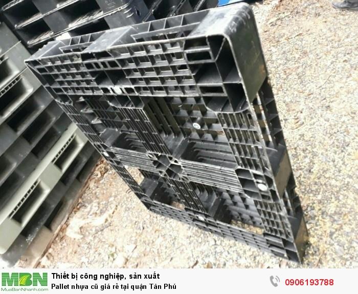 Pallet nhựa cũ tại quận Tân Phú. Liên hệ: 0906193788 (24/24)