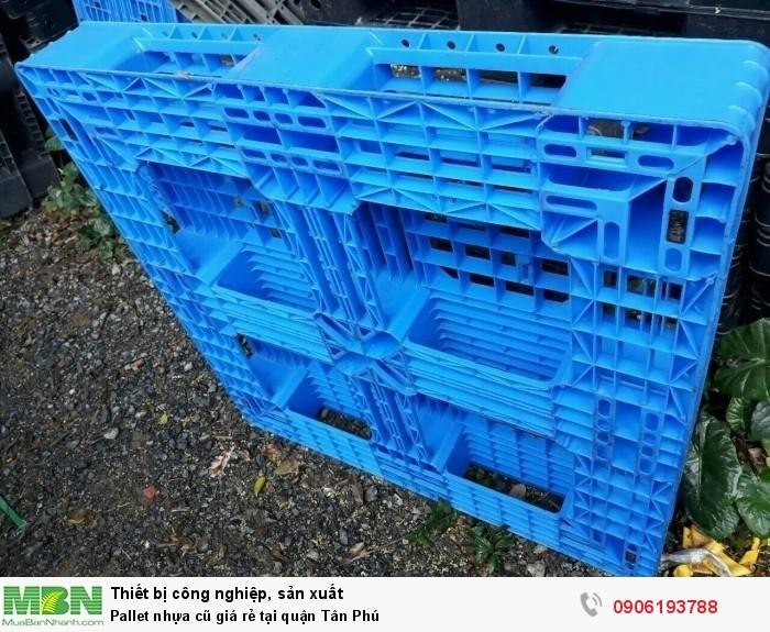Pallet nhựa cũ tại quận Tân Phú, bảo hành pallet nhựa cũ từ 6 tháng trở lên.