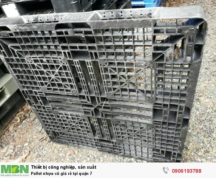 Pallet nhựa cũ giá rẻ tại quận 7. Miễn phí vận chuyển số lượng lớn. Liên hệ: 0906193788 (24/24)8