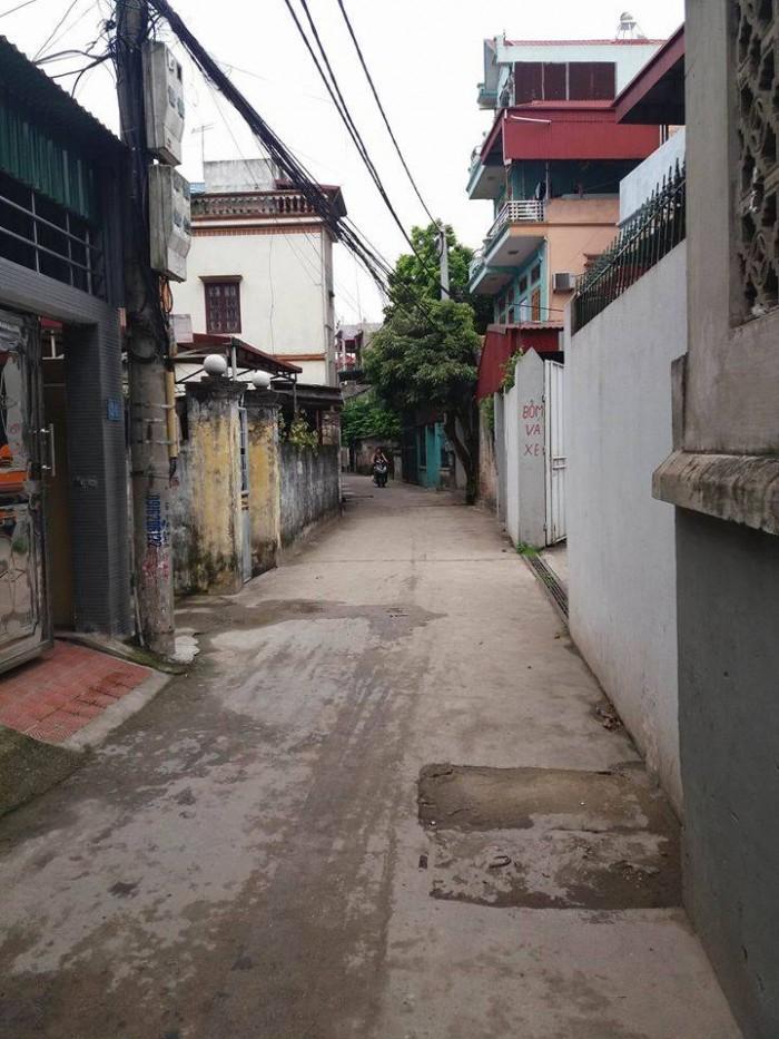 Bán đất ngõ 66 Thanh Am, Thượng Thanh dt 43m, ô tô đỗ cửa giá 32tr.m