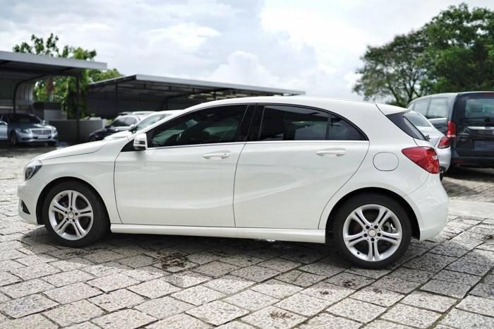 Mercedes-Benz A200 Số tự động Động cơ Xăng