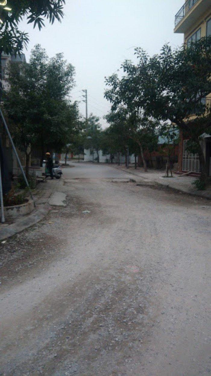 Cần tiền tiêu tết, bán gấp nhà mới xây Long Biên, DT: 30.9 m2
