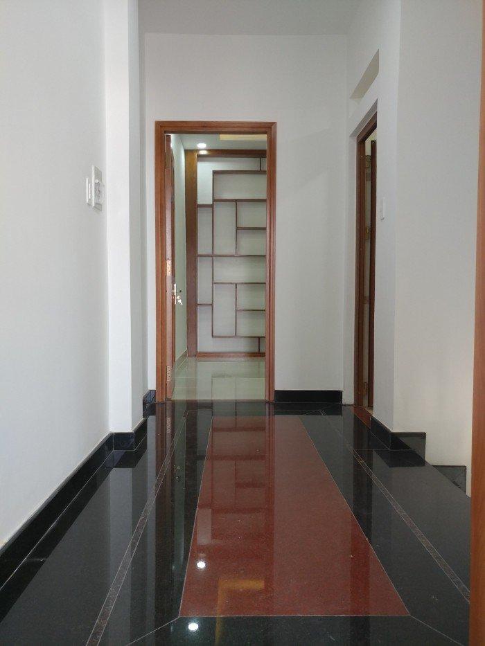 Nhà 56m2 đúc 3 lầu chỉ 2,7 tỷ KDC Hồng Long