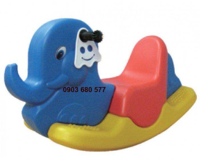 Đồ chơi an toàn cho trẻ - bập bênh nhựa đúc1