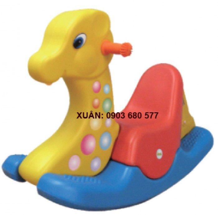 Đồ chơi an toàn cho trẻ - bập bênh nhựa đúc2