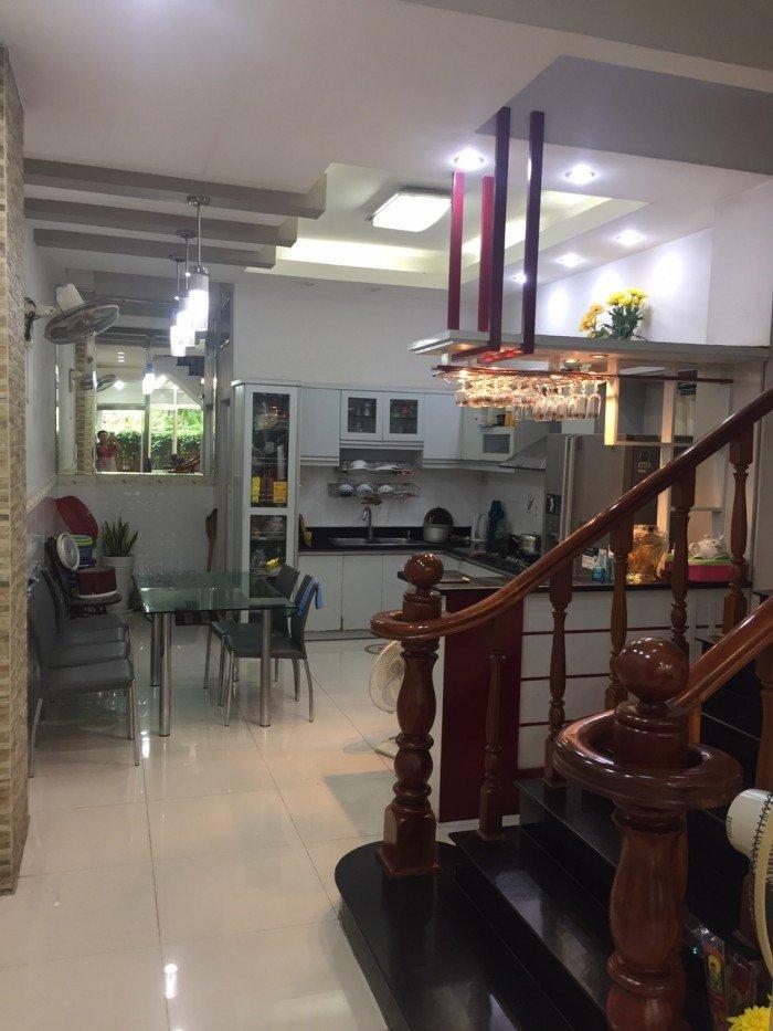 Nhà 1 trệt 3 lầu 1 sân thượng MT đường Lê Niệm, Phú Thạnh, Tân Phú, 4x18