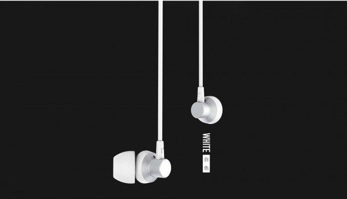 Tai nghe nhét tai Remax RM-512 được trang bị jack cắm 3.5mm rất thông dụng có thể p...