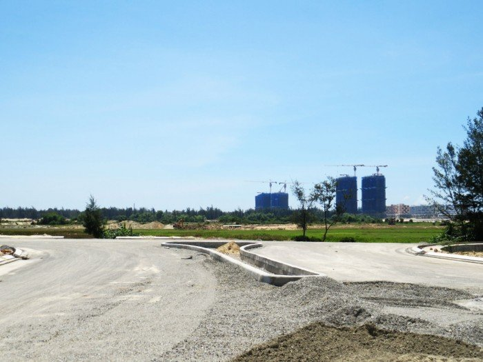 Cần bán nhanh lô đất biệt thự sát FPT, đối diện sân Golf BRG, gần cầu FPT