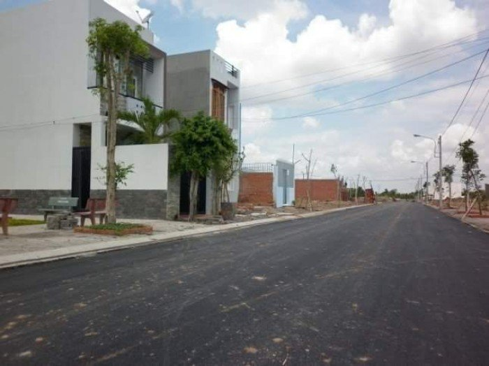 Rao bán 50 sản phẩm đất nền Quận 2. đường 20m. ngay KĐT sala. 590tr/nền
