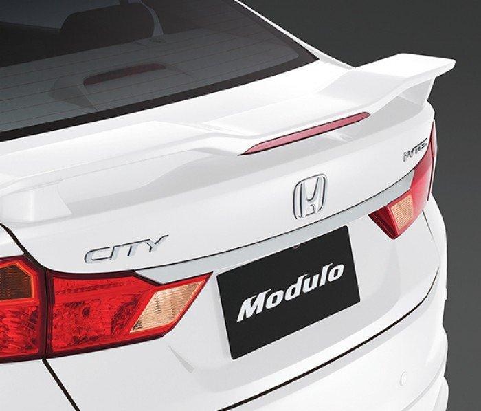 Honda City thần thánh màu trắng trước tết