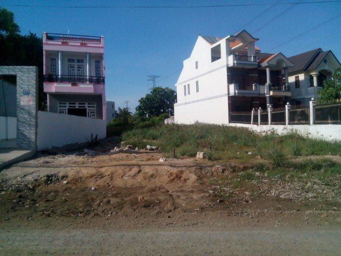 Tôi cần bán gấp mảnh đất ngay MT Nguyễn Văn Tạo, Nhà Bè