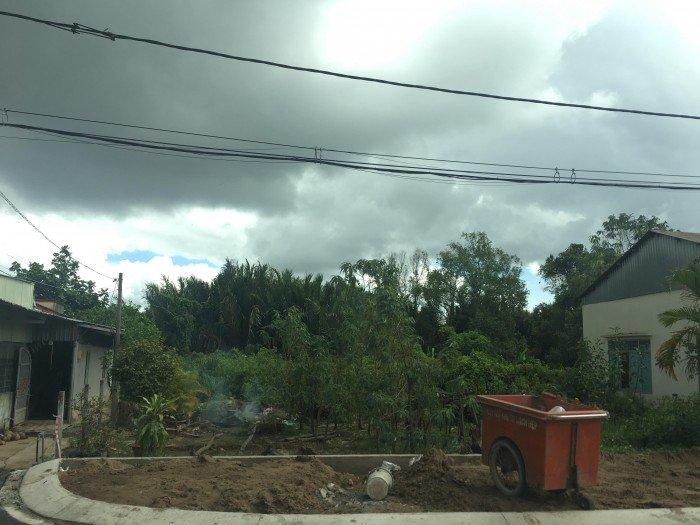 Muốn về quê sống bán 137m2 MT đường 3 đất Sadeco Phước Kiểng, Lê Văn Lương, giá 28 tr/m2.