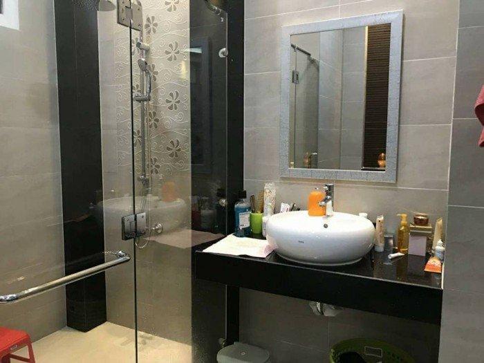HOT! Cần bán gấp nhà tuyệt đẹp 7 lầu đường Trần Văn Dư, HXH 8m, đang ở và cho thuê lại 70tr/tháng