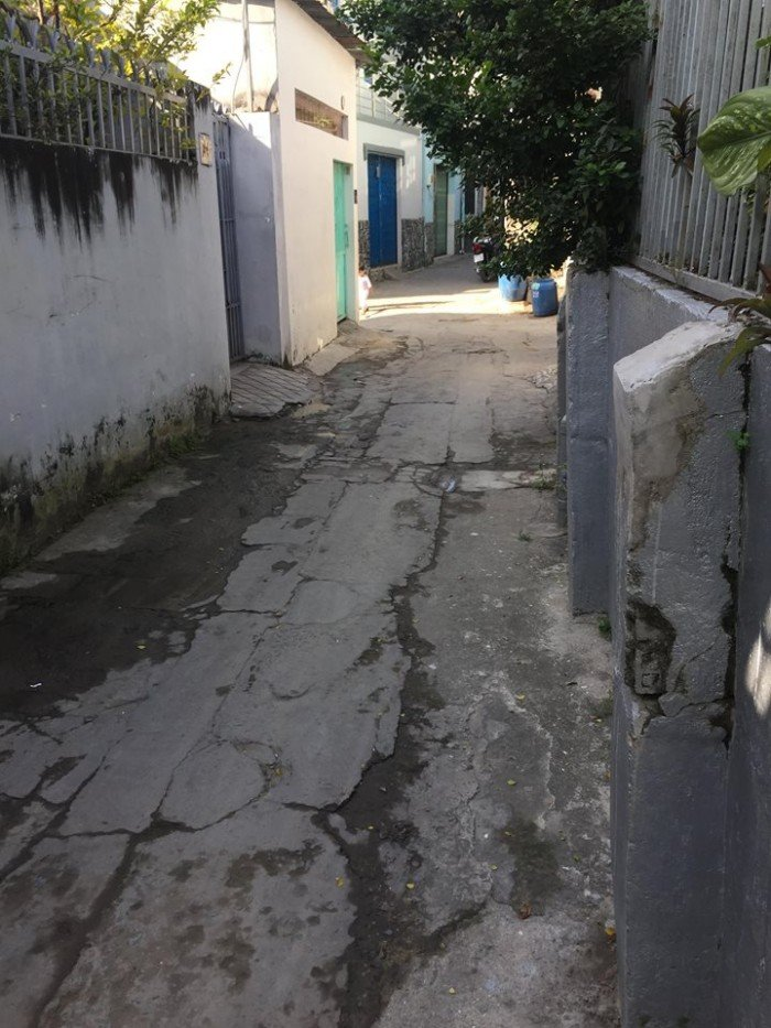 Cần bán gấp căn nhà P.Linh Tây, Q.Thủ Đức, Dt:106m2, SHR