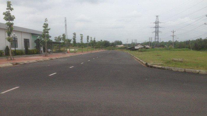 Bán lô đất 100m2 hướng Tây Bắc đối diện trường học trong khu dân cư mới làm hạ tầng rất đẹp