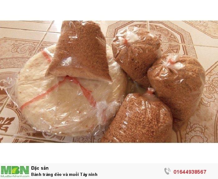 Bánh tráng dẻo và muối Tây Ninh