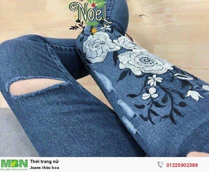 Jeans thêu hoa
