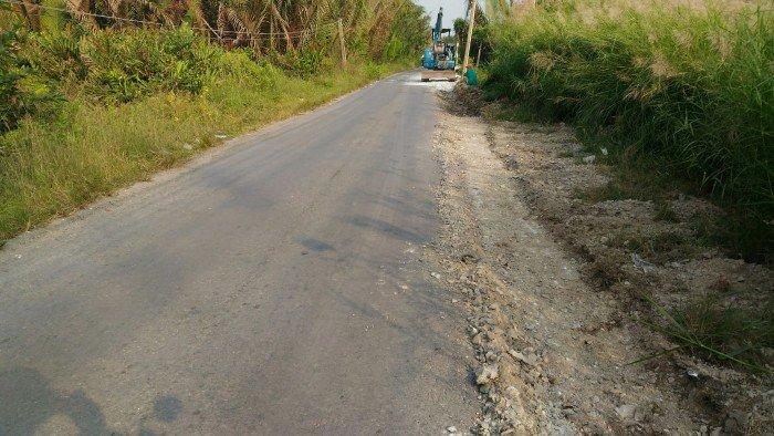 Đường Long Hậu đang mở rộng 10m, nền đất đẹp 100m2 sổ đỏ ngay mặt tiền đường!
