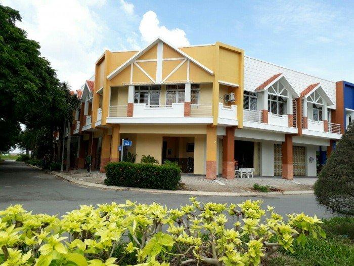 Nhà Thiết kế châu âu 136m2 đường 12 Phong Phú, Cạnh Chợ