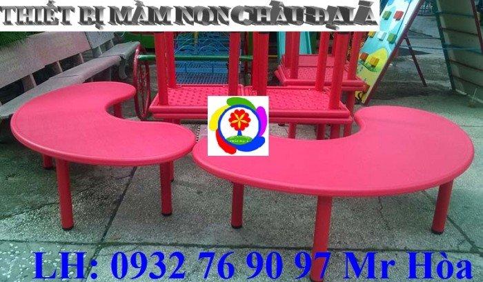 Bàn ghế trẻ em, bàn nhựa hình bán nguyệt cho bé mầm non nhập khẩu nguyên kiện1