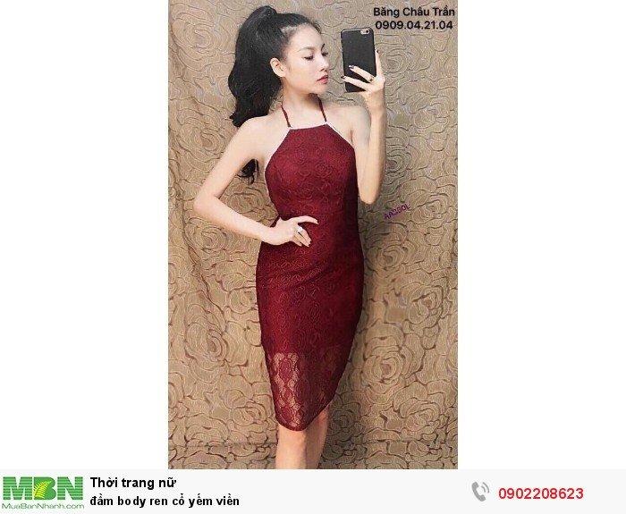 Đầm body ren cổ yếm viền