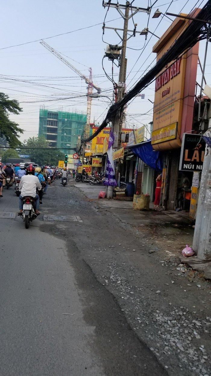 Bán đất mặt tiền đường nhựa 16m, cách chợ 100m tiện kinh doanh mua bán.